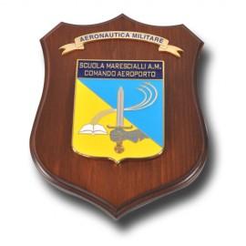 CREST ARALDICO IN METALLO SMALTATO CON BASE IN LEGNO SCUOLA MARESCIALLI A.M. COMANDO AEROPORTO MIS CM 22,5 X 17,5
